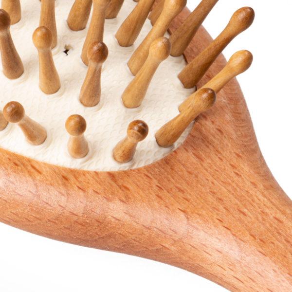 Haarbürste aus Buchenholz mit Holzstifte und Noppen