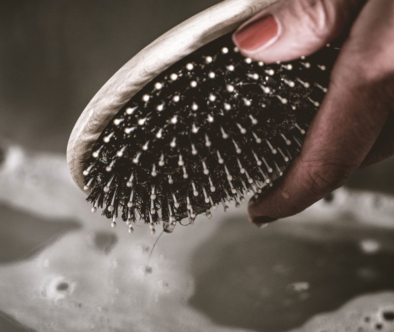 Bürste reinigen in 3 einfachen Schritten